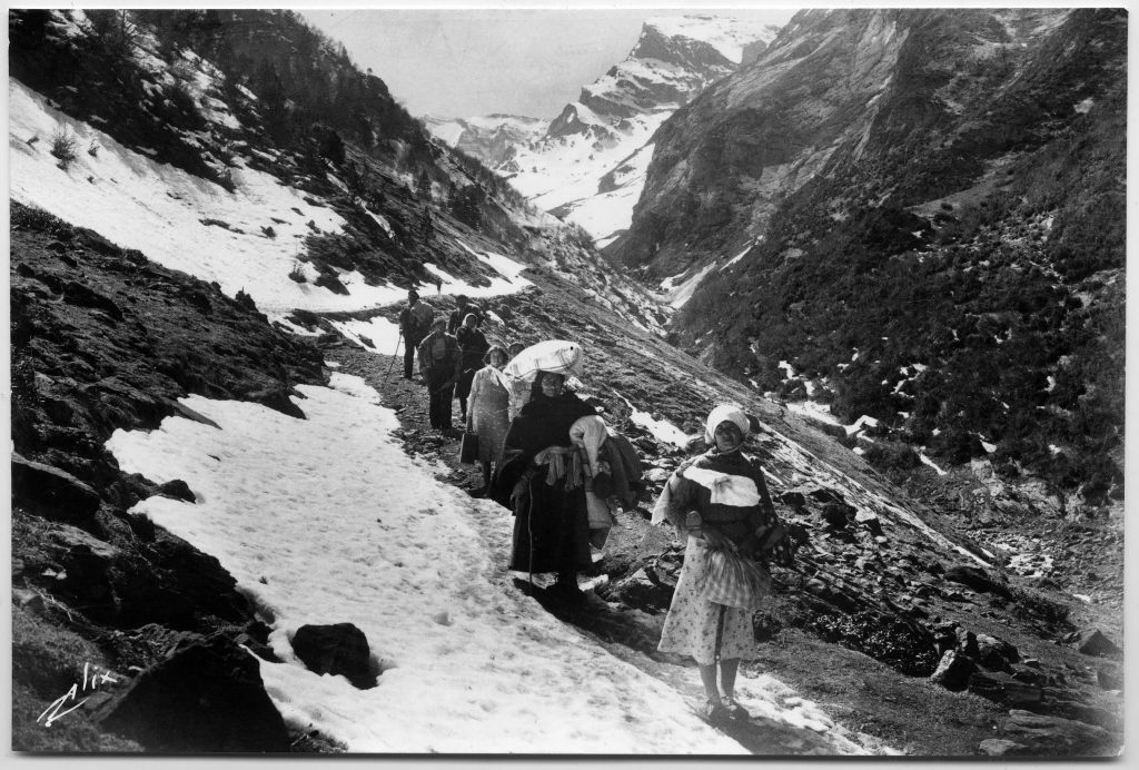 Refugees crossing the Pyrenees